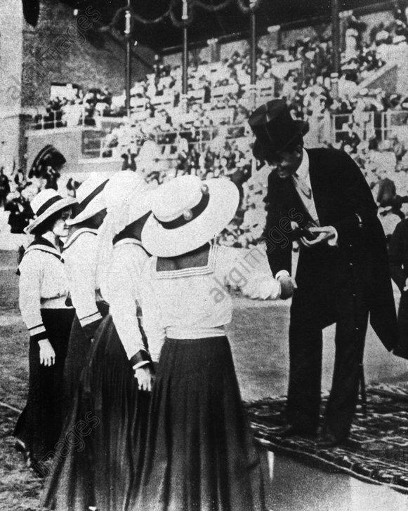 Die ersten deutschen Schwimmerinnen bei olympischen Spielen